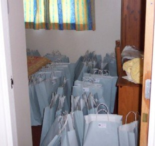 01) The goody bags all complete and ready to go!