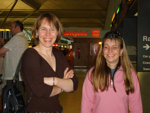 01) Julie and Nickie get excited at Stansted ....